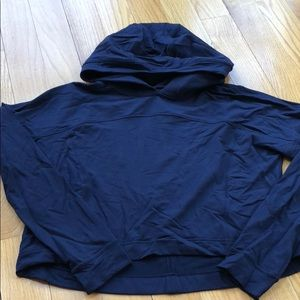 LULULEMON BARELY WORN SIZE 8 CROPPED HOODIE